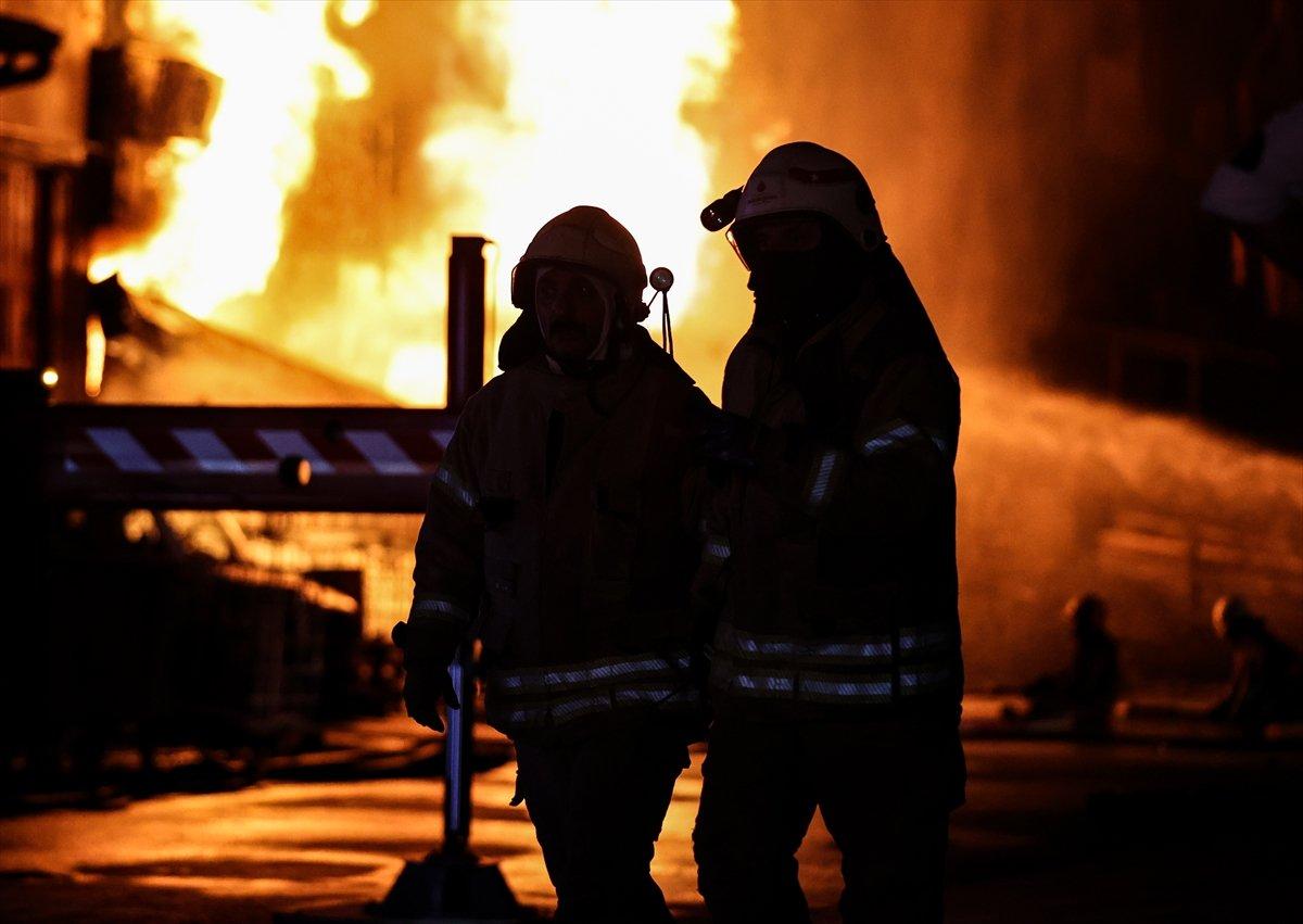 İstanbul, İkitelli Çevre Sanayi Sitesi nde yangın çıktı #6
