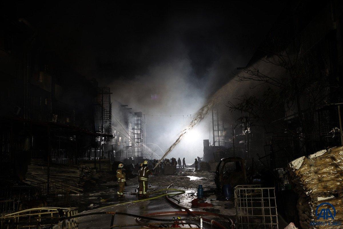 İstanbul, İkitelli Çevre Sanayi Sitesi nde yangın çıktı #11