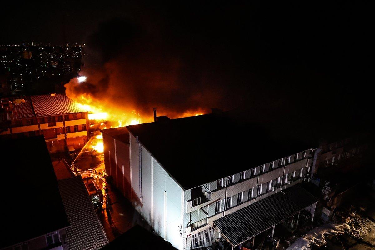 İstanbul, İkitelli Çevre Sanayi Sitesi nde yangın çıktı #8