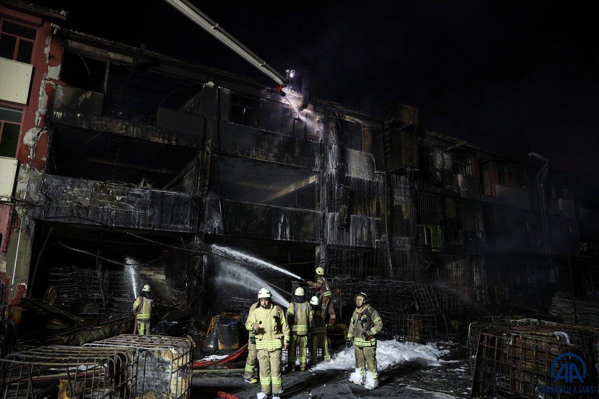 İstanbul, İkitelli Çevre Sanayi Sitesi nde yangın çıktı #10
