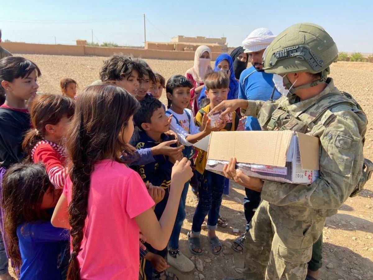 Mehmetçik ten Suriye halkına yardım #5