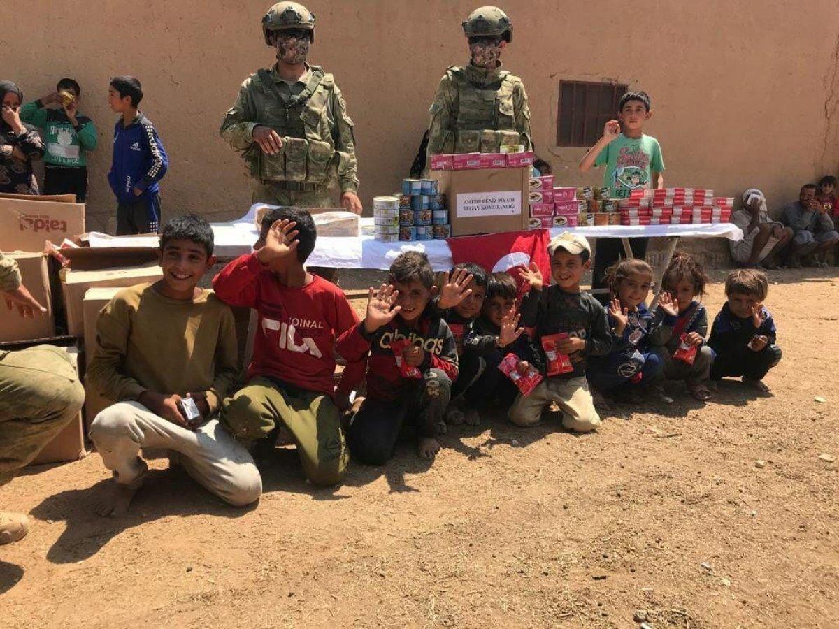 Mehmetçik ten Suriye halkına yardım #10