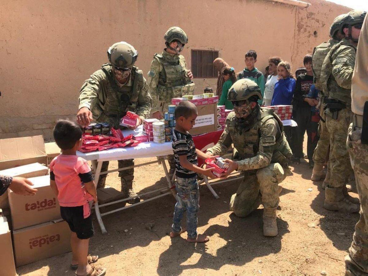 Mehmetçik ten Suriye halkına yardım #7