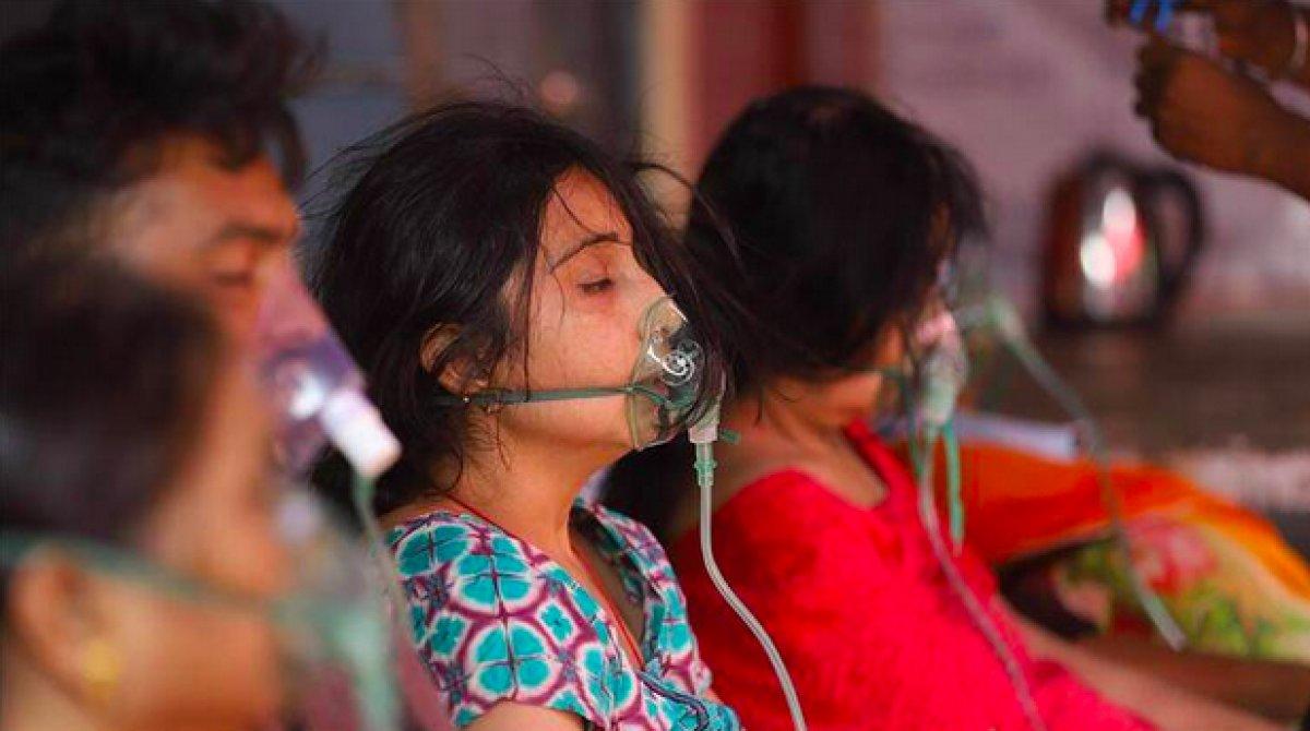 Hindistan'da gizemli yüksek ateşten 50 kişi öldü #1