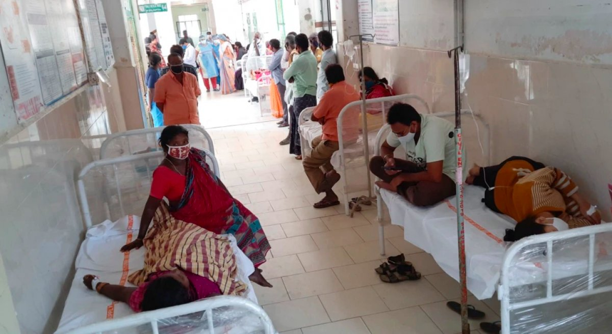 Hindistan'da gizemli yüksek ateşten 50 kişi öldü #2