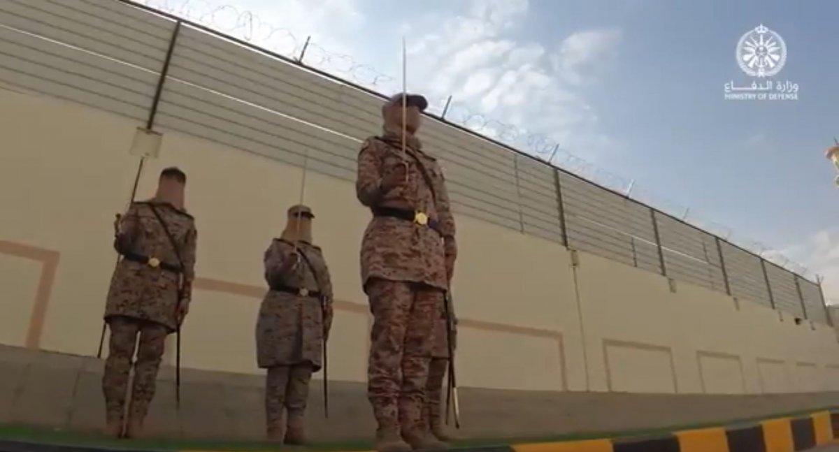 Suudi Arabistan'da ilk: Kadın askerler mezun oldu #9