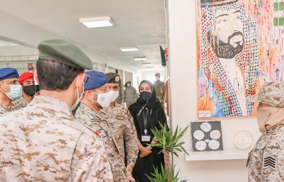 Suudi Arabistan'da ilk: Kadın askerler mezun oldu #2