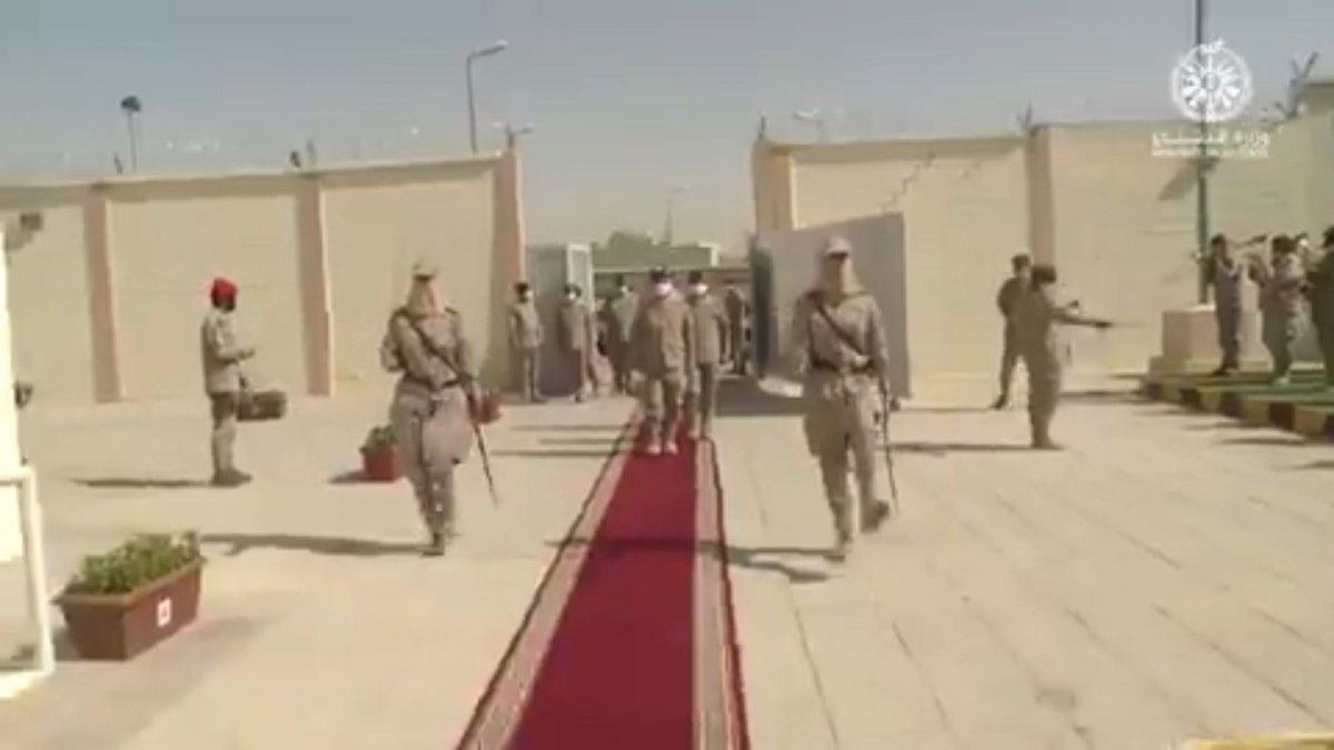 Suudi Arabistan'da ilk: Kadın askerler mezun oldu #6