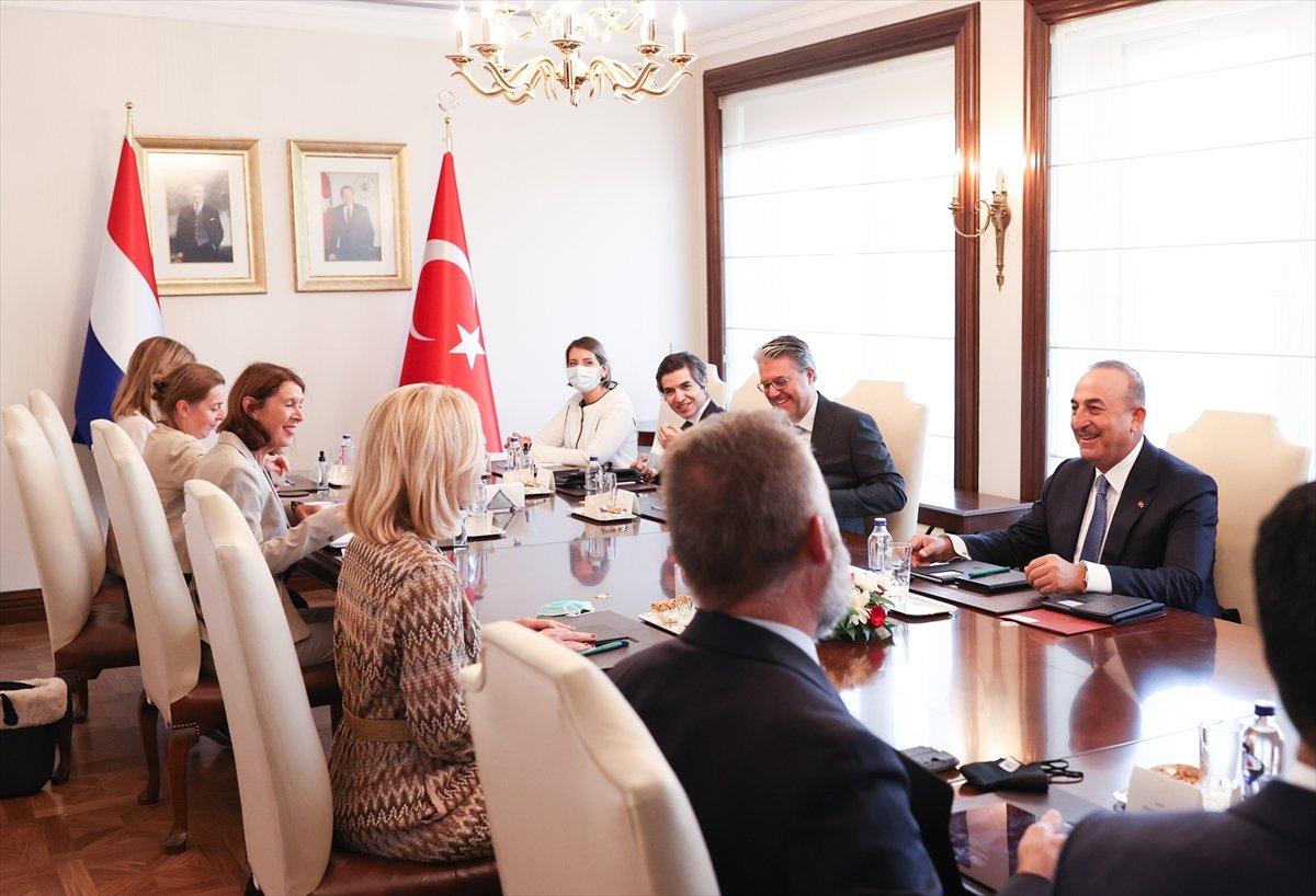 Mevlüt Çavuşoğlu'ndan AB-Türkiye göç mutabakatı açıklaması #4