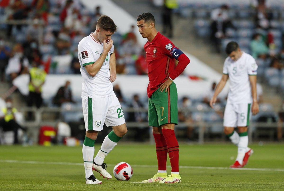 Cristiano Ronaldo rakibine tokat attı #5