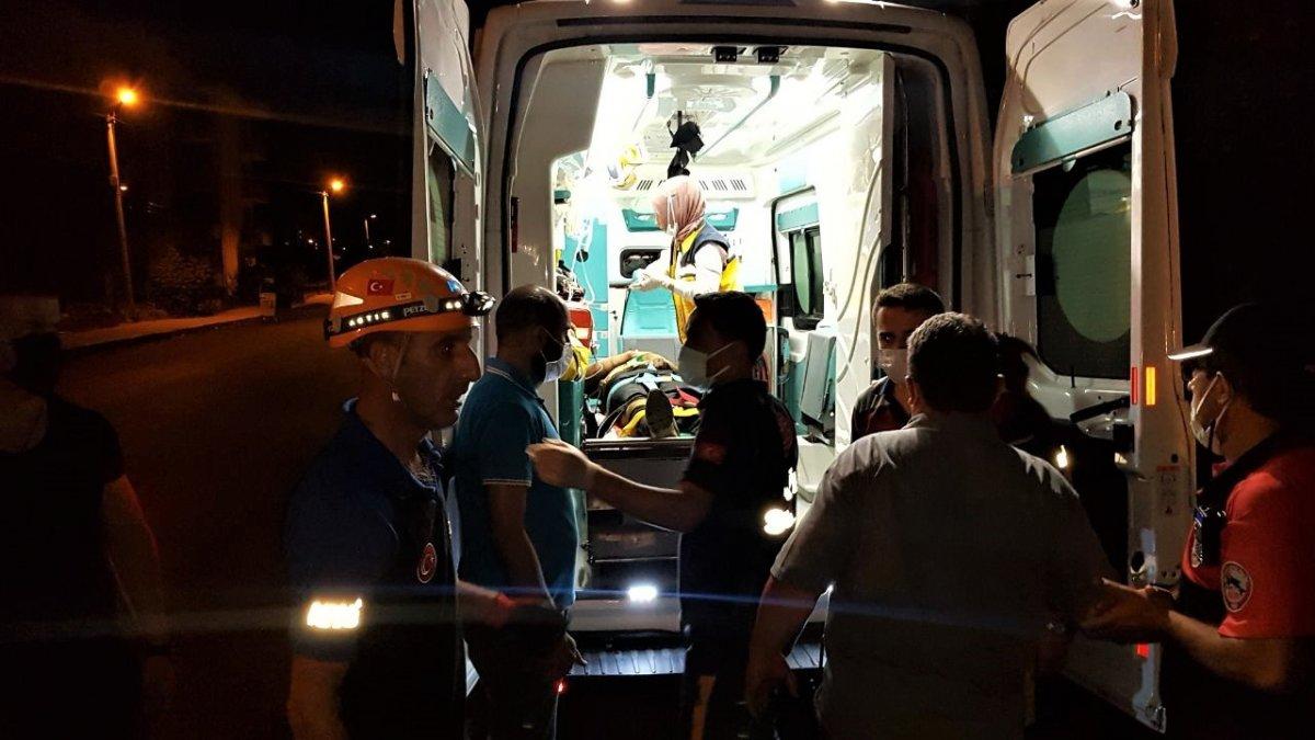 Karabük te polisten kaçarken 5 metre yüksekten düşen gencin bilinci kapandı #1