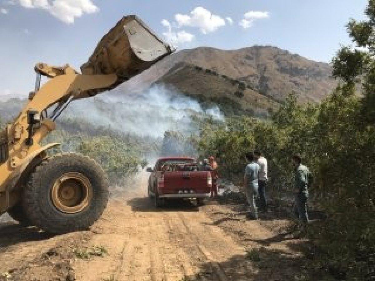 Şemdinli'de orman yangını kontrol altına alındı #3