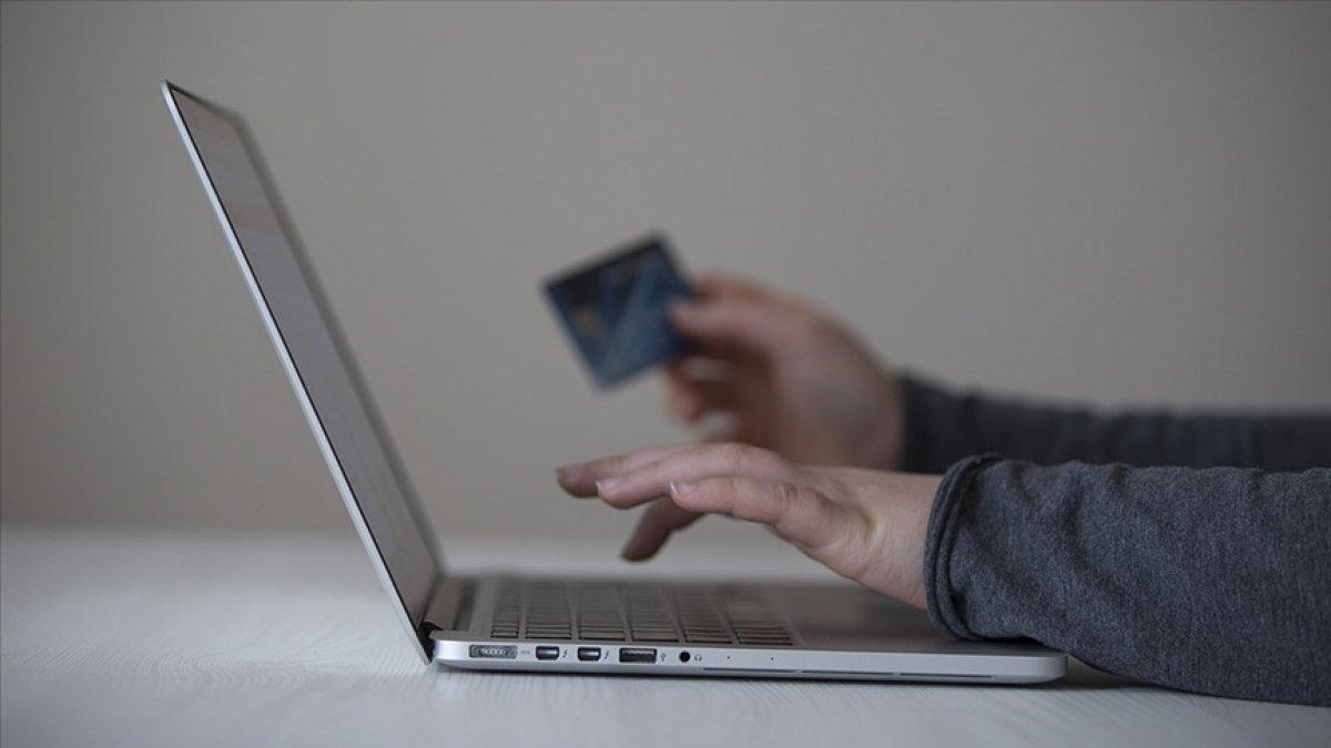 Türkiye de kartlı harcamalar ocak-nisan döneminde yüzde 41 arttı #1