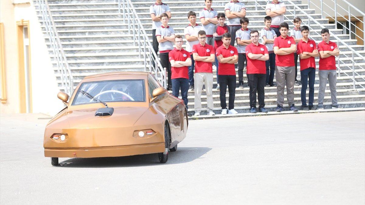 Düzce'de imam hatipli öğrenciler elektrikli araç tasarladı