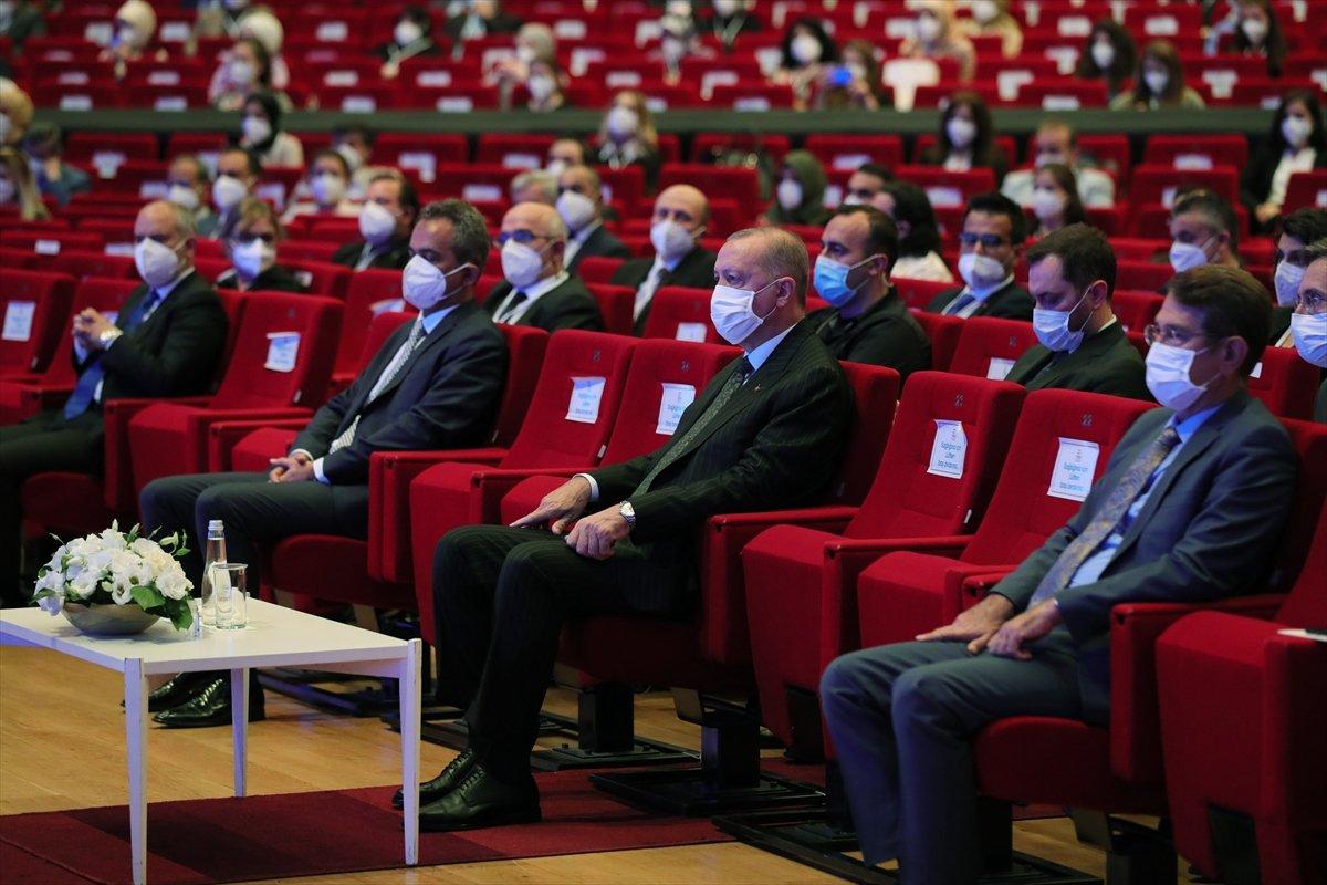 Cumhurbaşkanı Erdoğan, salgın döneminde eğitimde yapılanlar hakkında bilgi verdi #2