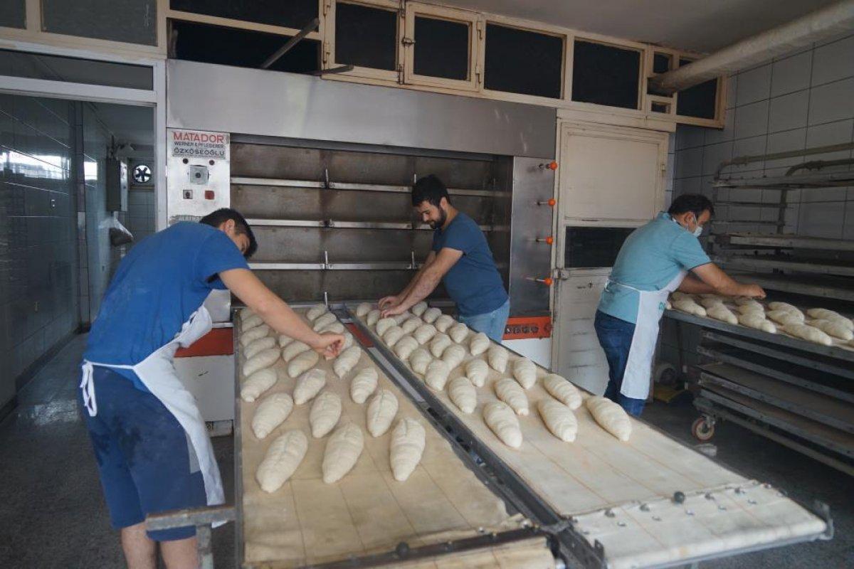 Kastamonu da çamurdan temizlenen fırında ekmek üretimine başlandı #3