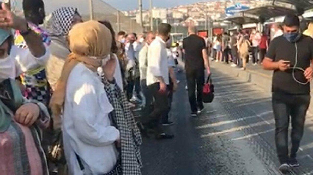 İstanbul da İETT araçlarındaki arızalar mağduriyet oluşturmaya devam ediyor #10