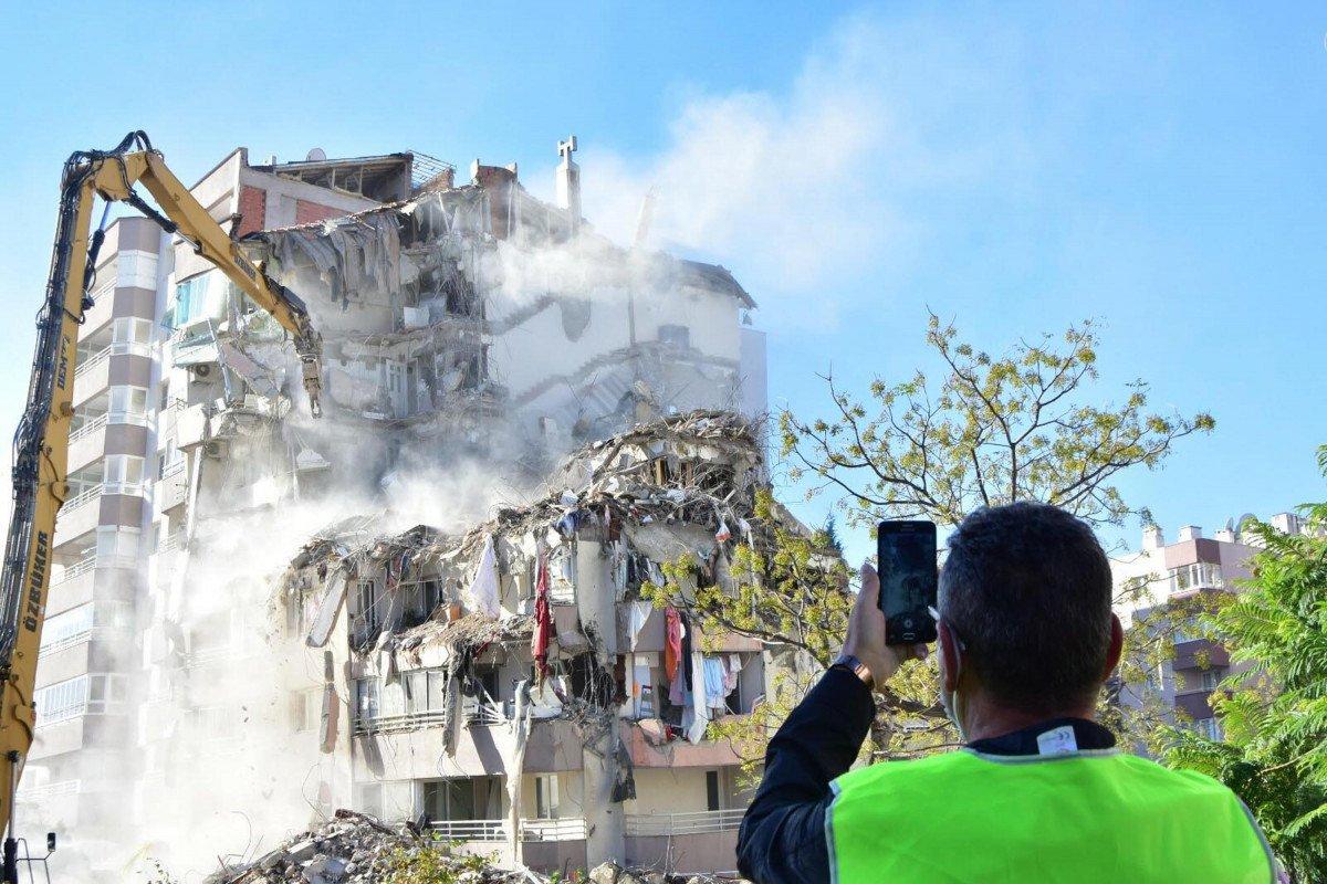 İzmir depreminde yıkılan Yılmaz Erbek Apartmanı'nın mimarına tahliye #1