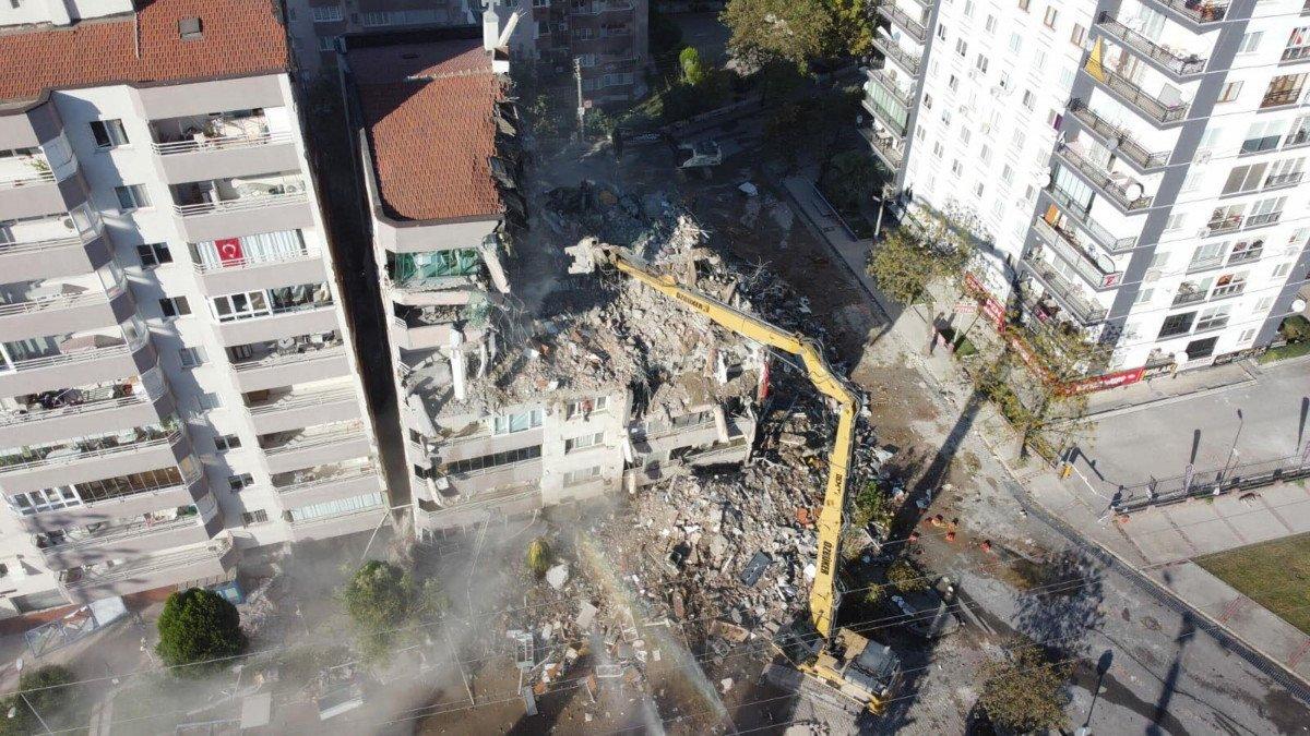 İzmir depreminde yıkılan Yılmaz Erbek Apartmanı'nın mimarına tahliye #2