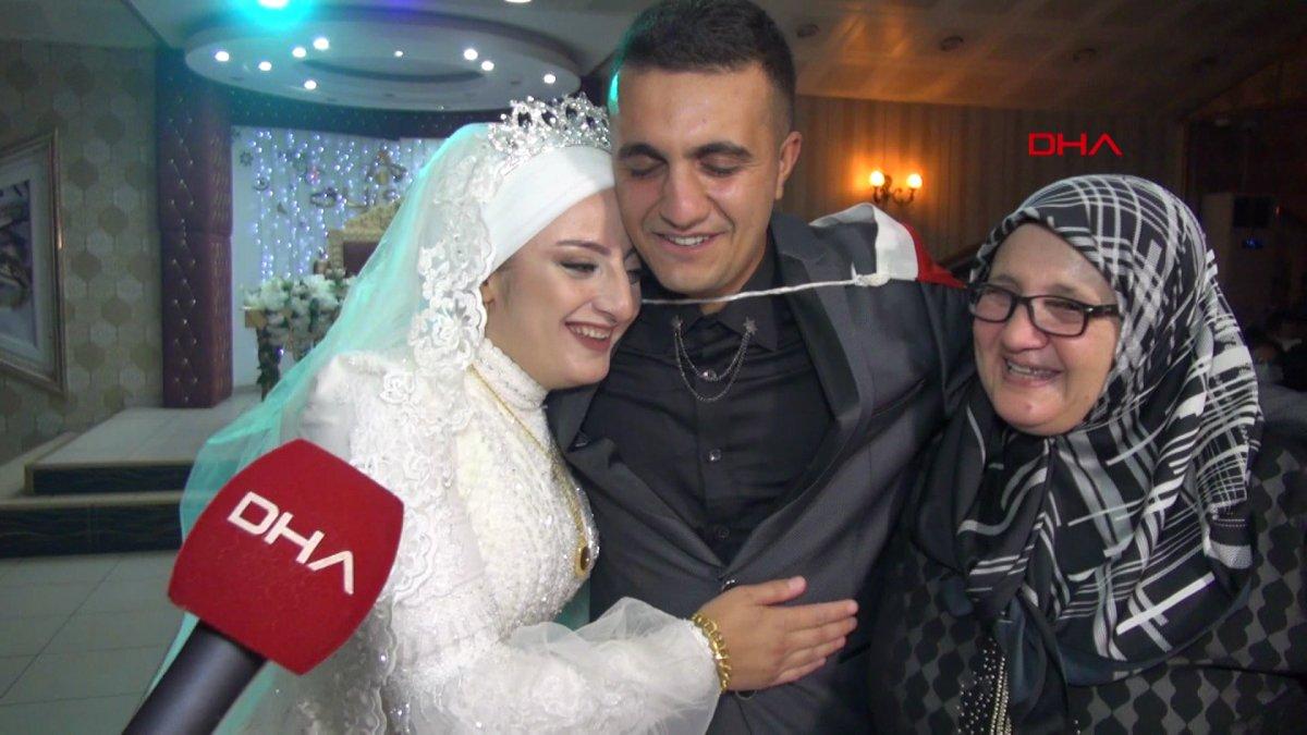 Erzurum'da, asker kardeş ablasının düğününe gelerek sürpriz yaptı  #3