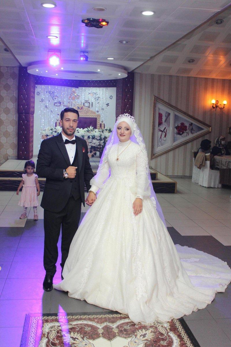 Erzurum'da, asker kardeş ablasının düğününe gelerek sürpriz yaptı  #8