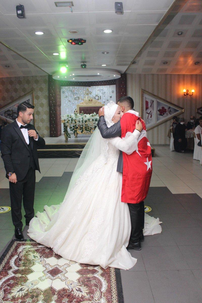 Erzurum'da, asker kardeş ablasının düğününe gelerek sürpriz yaptı  #5