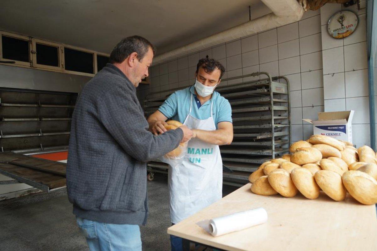Kastamonu da çamurdan temizlenen fırında ekmek üretimine başlandı #4