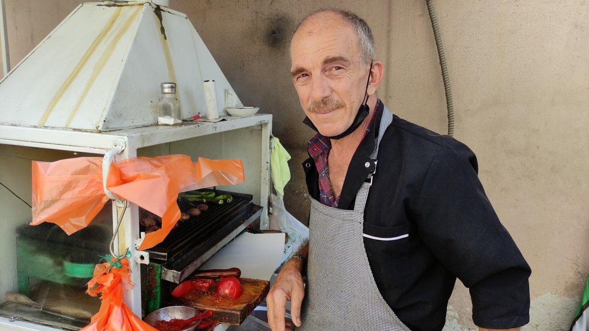 Bursa daki 50 yıllık seyyar köfteci için uzun kuyruklar oluşuyor #4