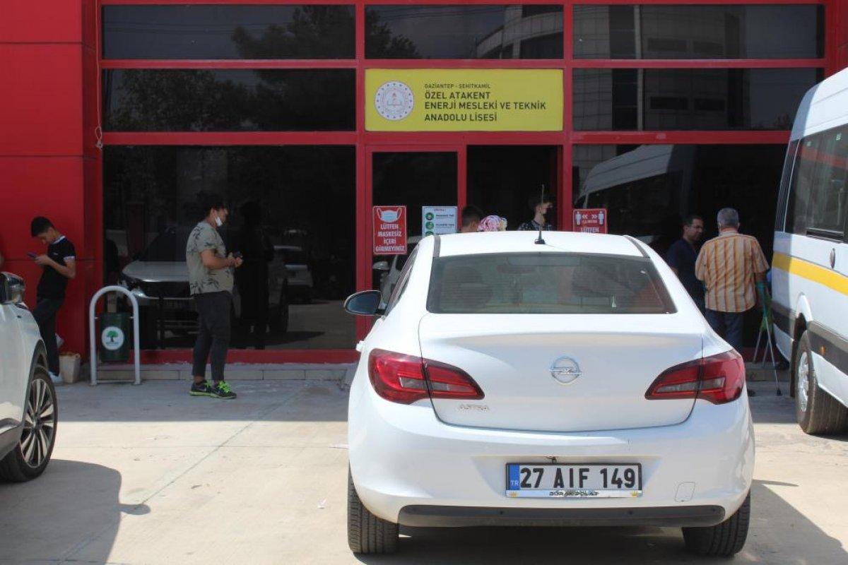 Gaziantep te bir okul yönetimi, yıllık ücreti aldıktan sonra okulu kapattı #5