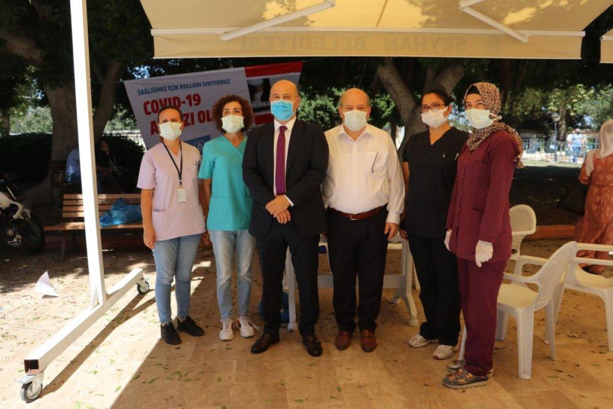 Adana da namazı sonrası, seyyar aşı standında aşılama yapıldı #2