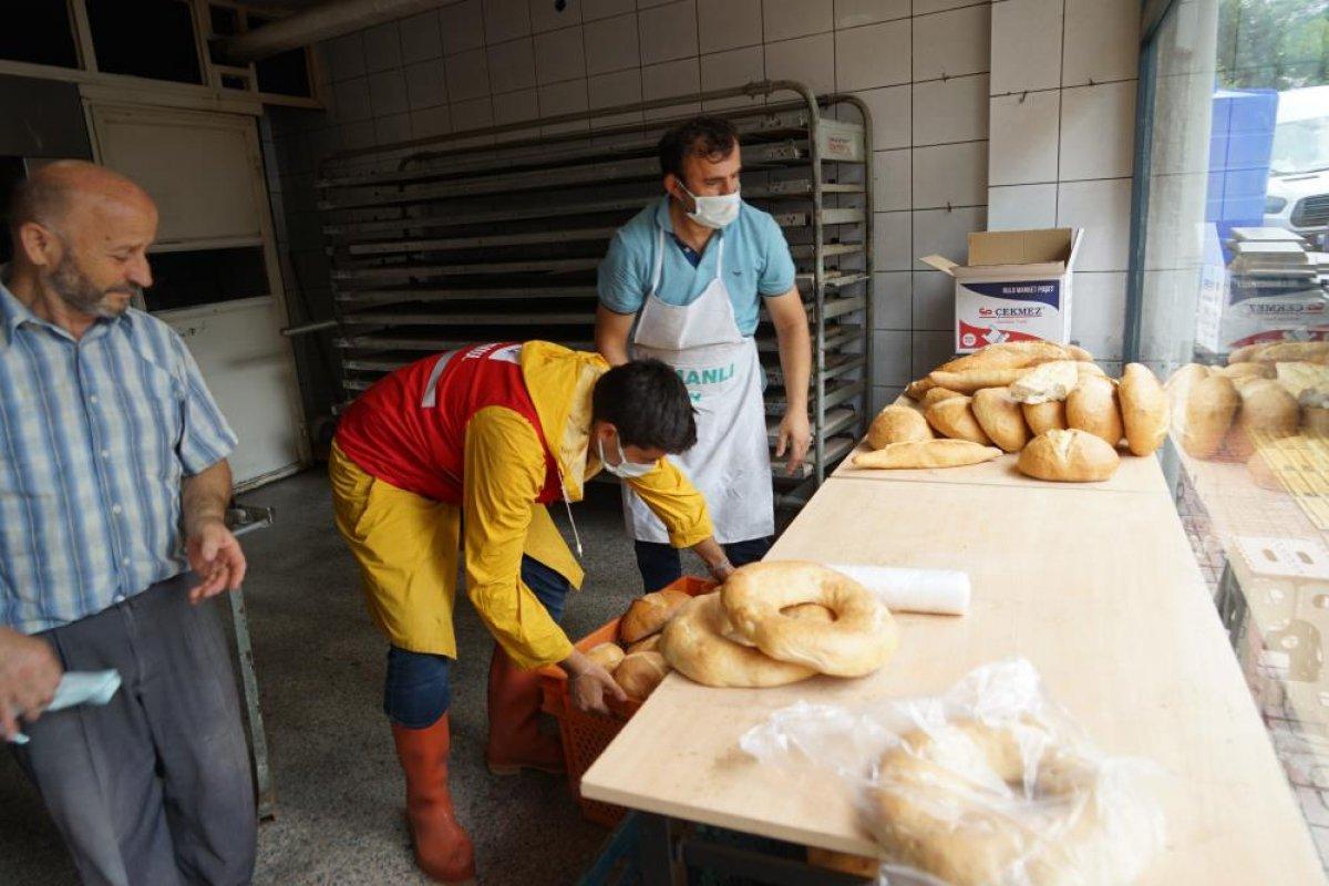 Kastamonu da çamurdan temizlenen fırında ekmek üretimine başlandı #6
