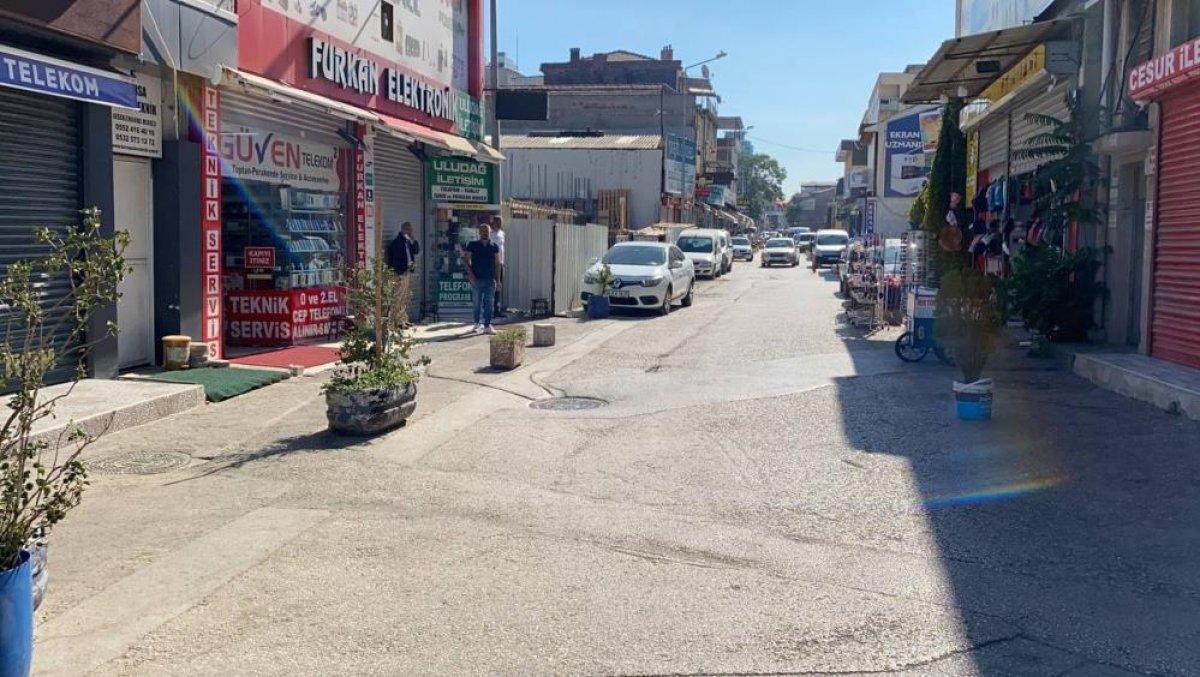 Bursa nın sevilen seyyar çerezcisi, ölümden kıl payı kurtuldu #4