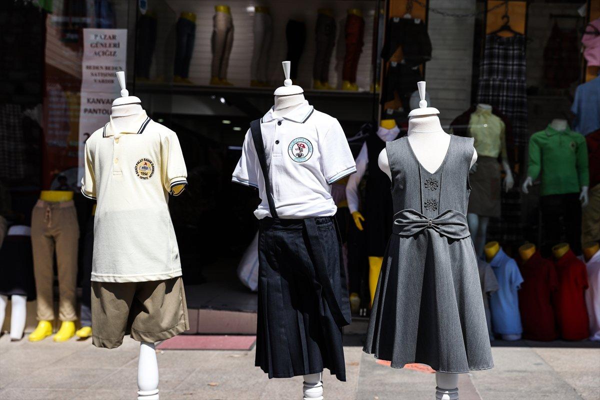 İstanbul da kırtasiye esnafının yüzü gülüyor #5