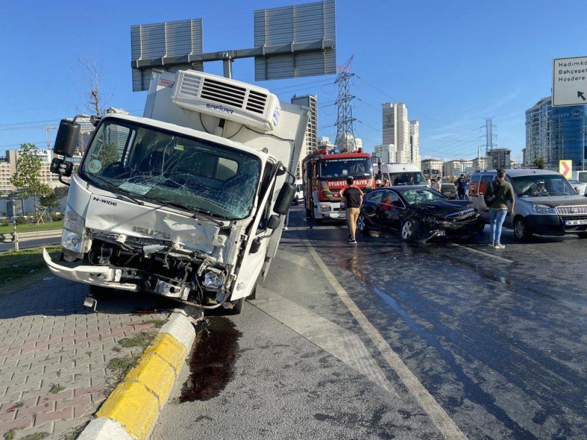 Esenyurt ta kaza geçiren polis memuru için meslektaşları seferber oldu #3