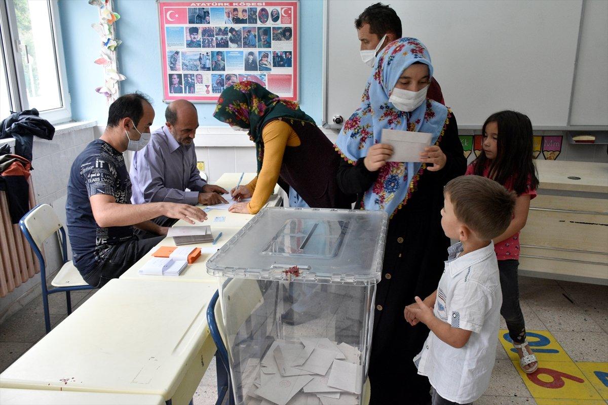 Gümüşhane den ayrılıp Giresun a bağlanmak isteyen 2 köyde referandum #3