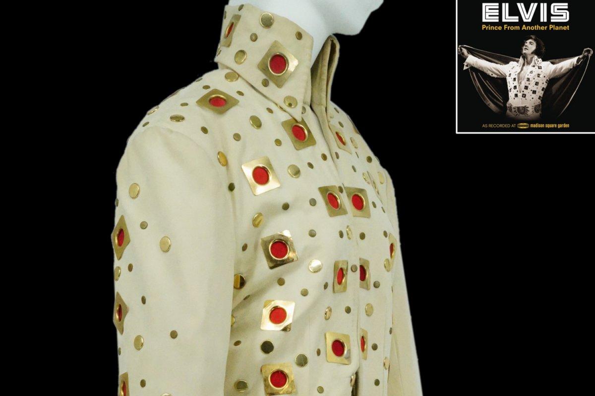 Elvis Presley in tulumu ve pelerini açık artırmaya çıkarıldı #1