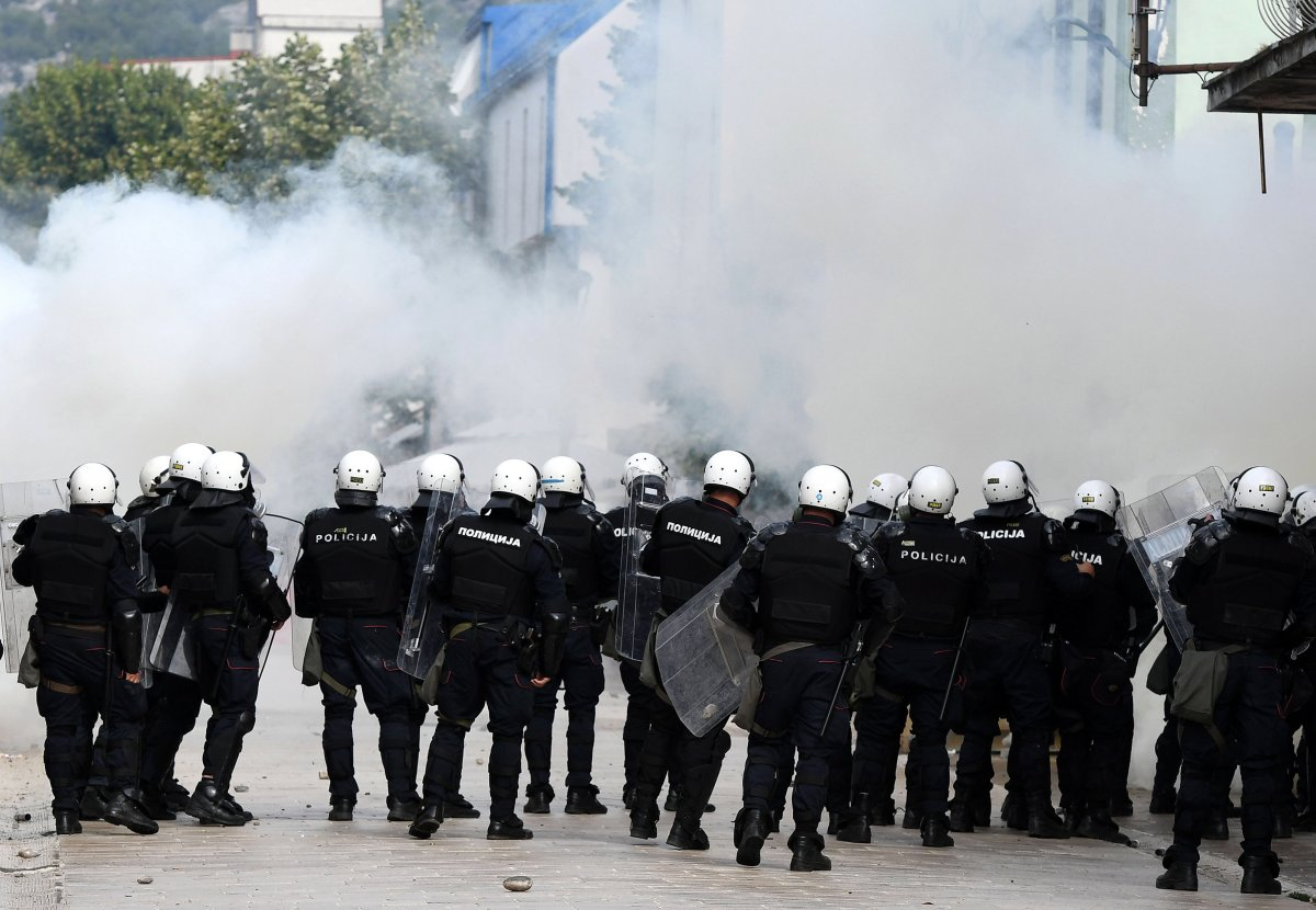 Karadağ'da taht töreni protestosu #8