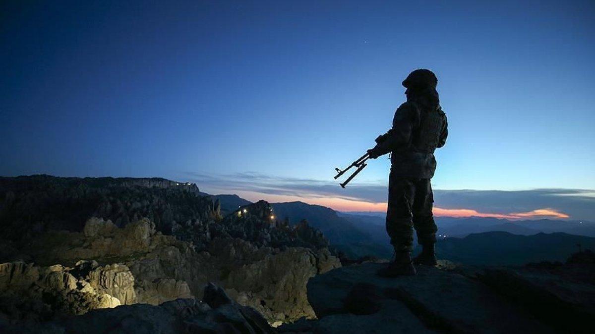 İçişleri Bakanlığı: 1 PKK lı terörist daha ikna yoluyla teslim oldu #1