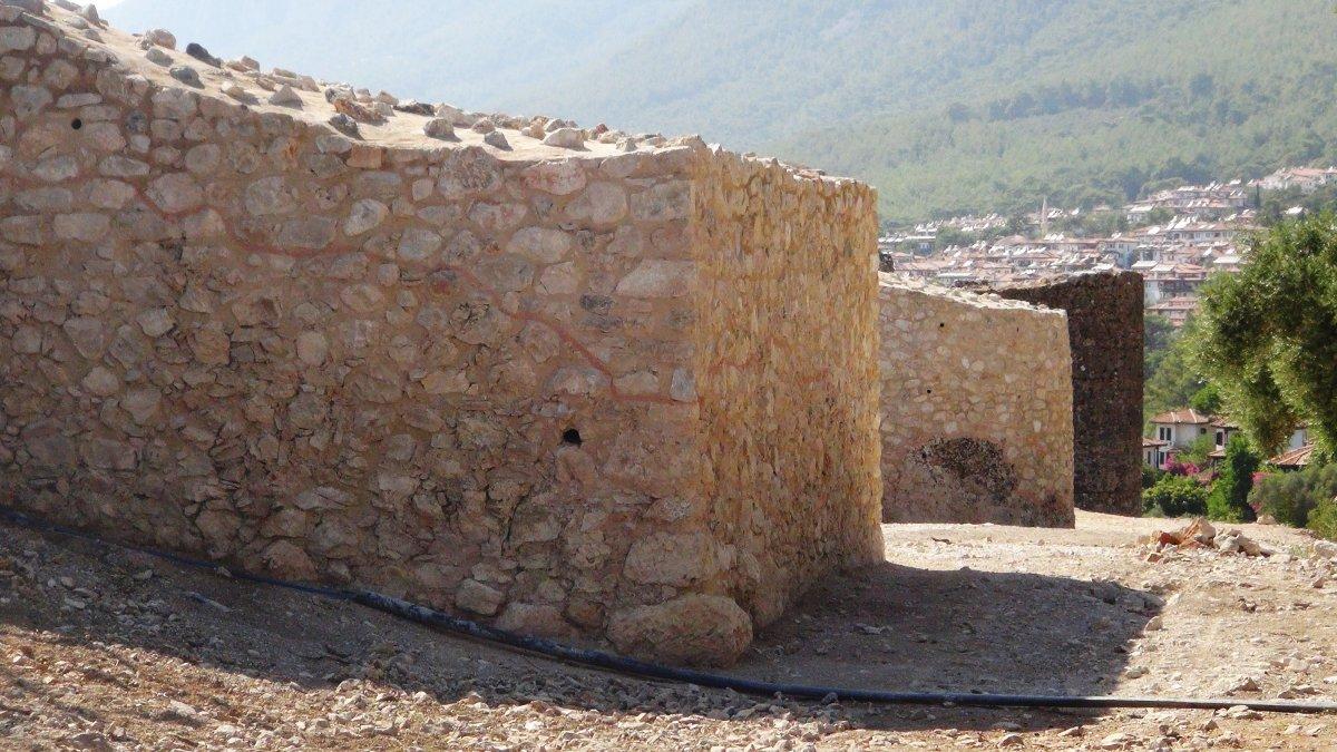 Muğla'nın Ula ilçesindeki kale surları 10 ayda ortaya çıktı #9