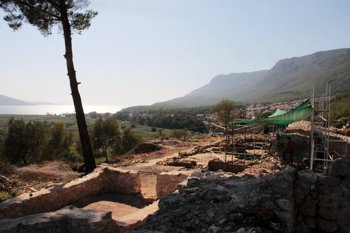 Muğla'nın Ula ilçesindeki kale surları 10 ayda ortaya çıktı #4