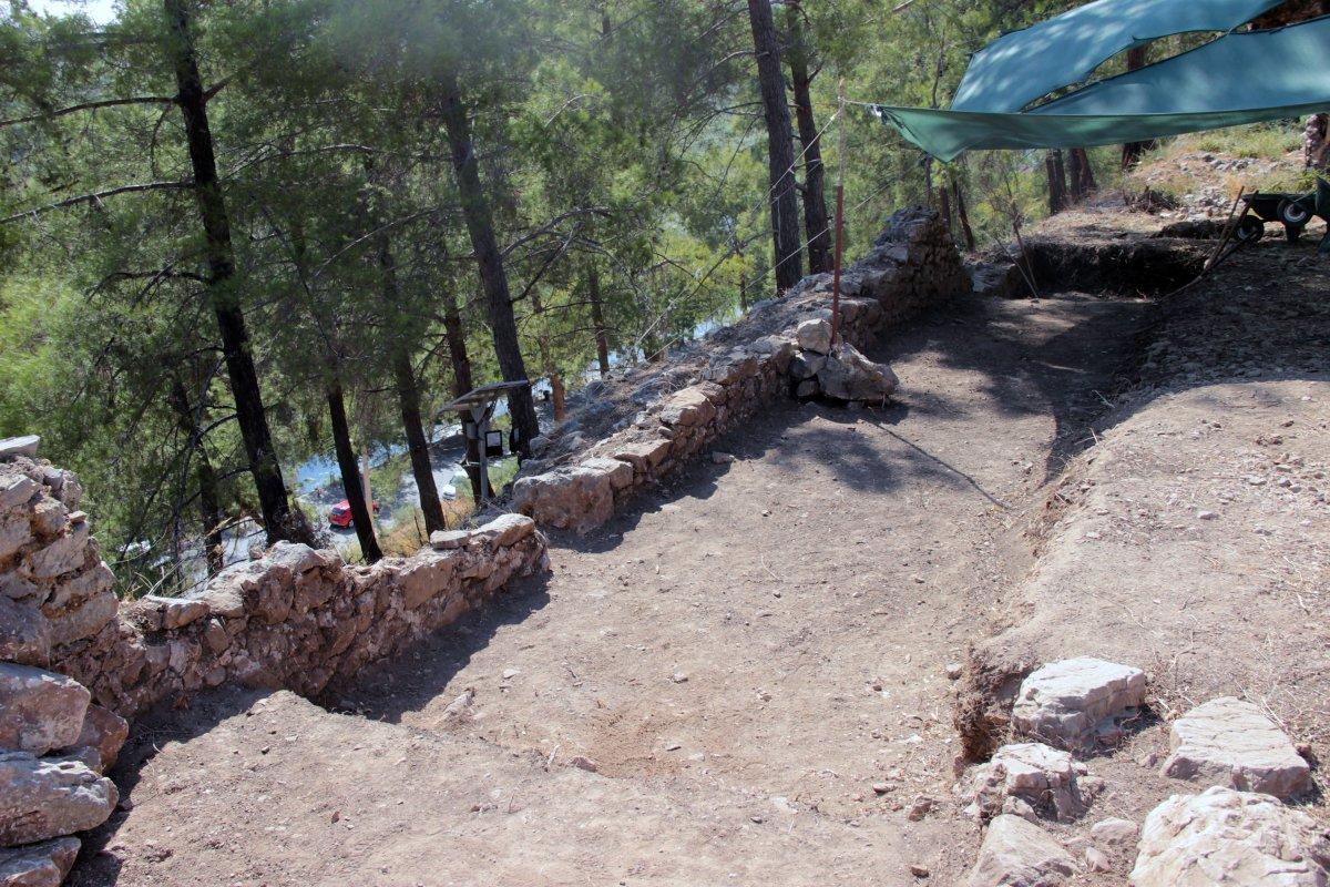 Muğla'nın Ula ilçesindeki kale surları 10 ayda ortaya çıktı #10