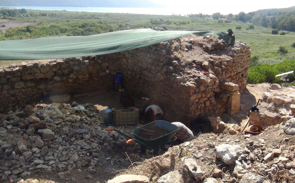 Muğla'nın Ula ilçesindeki kale surları 10 ayda ortaya çıktı #2