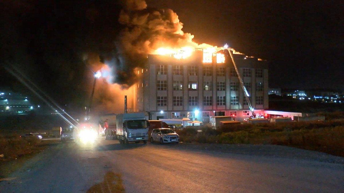 Arnavutköy de fabrikada yangın çıktı #2