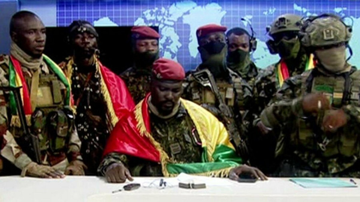 Gine de darbeci komutan Mamady Doumbouya nın dikkat çeken geçmişi #2