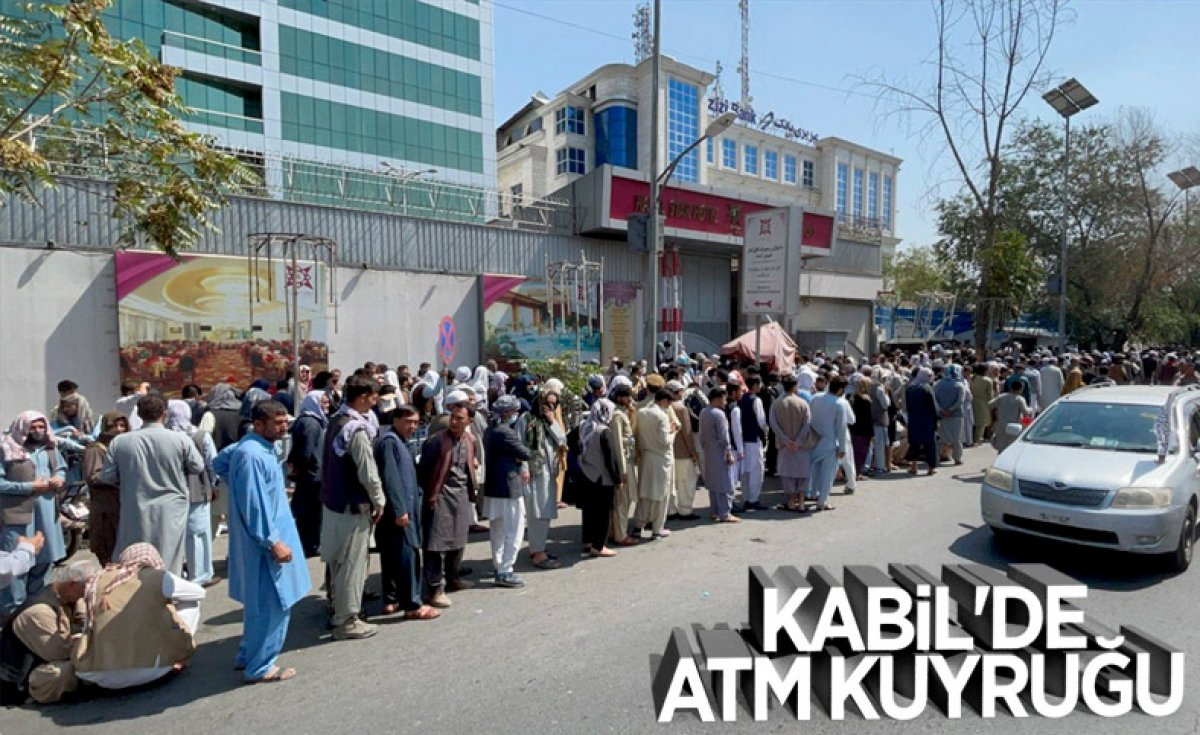Kabil de yeniden açılan döviz bürolarına Afgan halkı yoğun ilgi gösterdi #12
