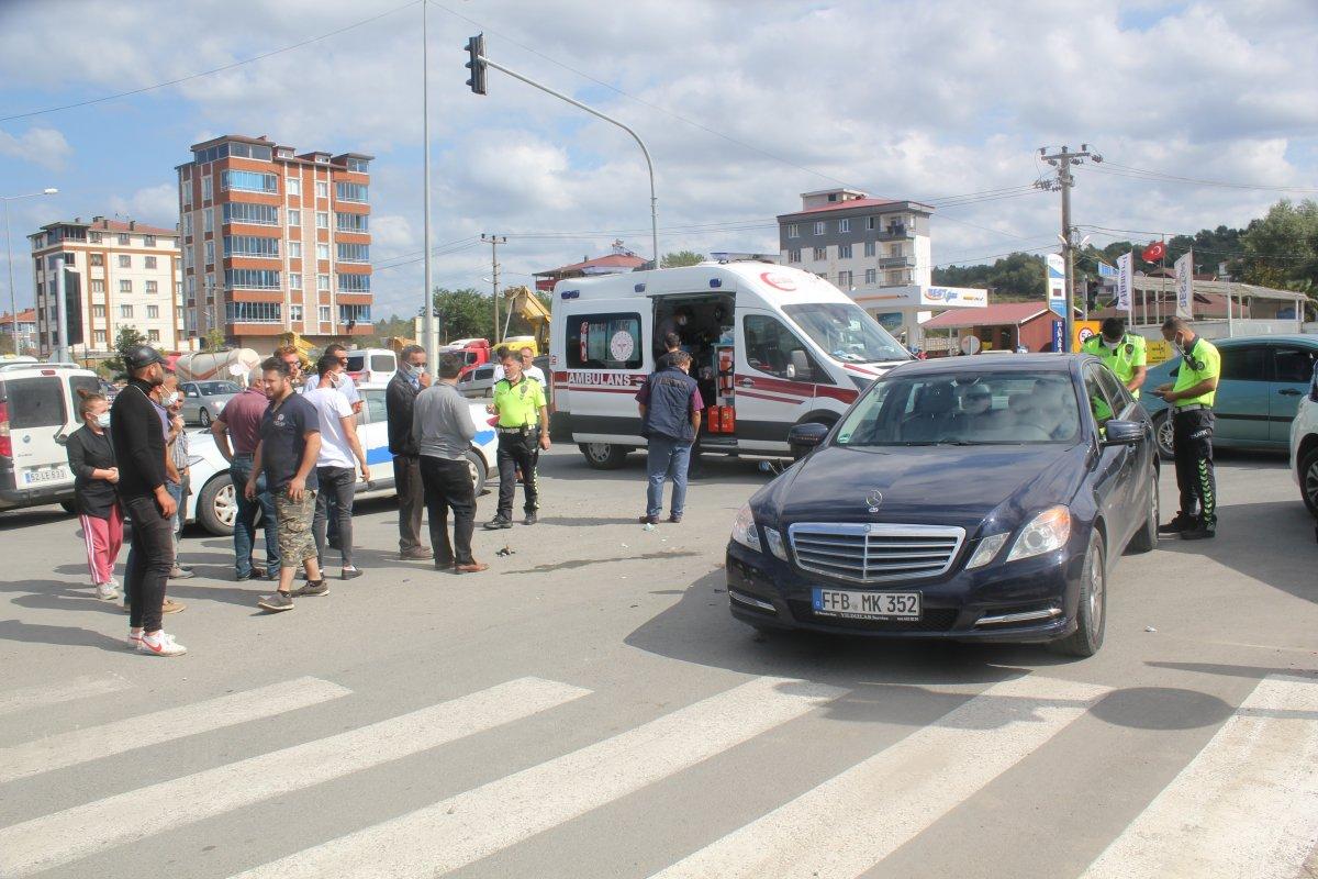 Ordu da motosiklet ile otomobil çarpıştı: 2 yaralı #1