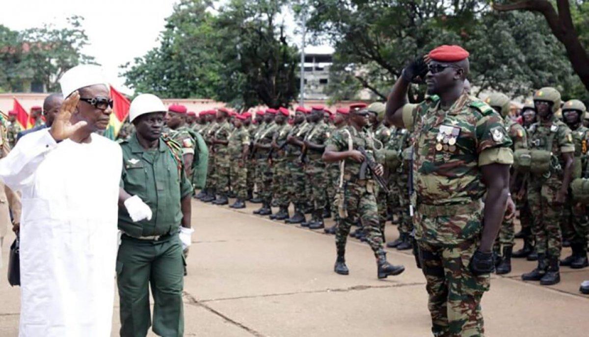 Gine de darbeci komutan Mamady Doumbouya nın dikkat çeken geçmişi #4