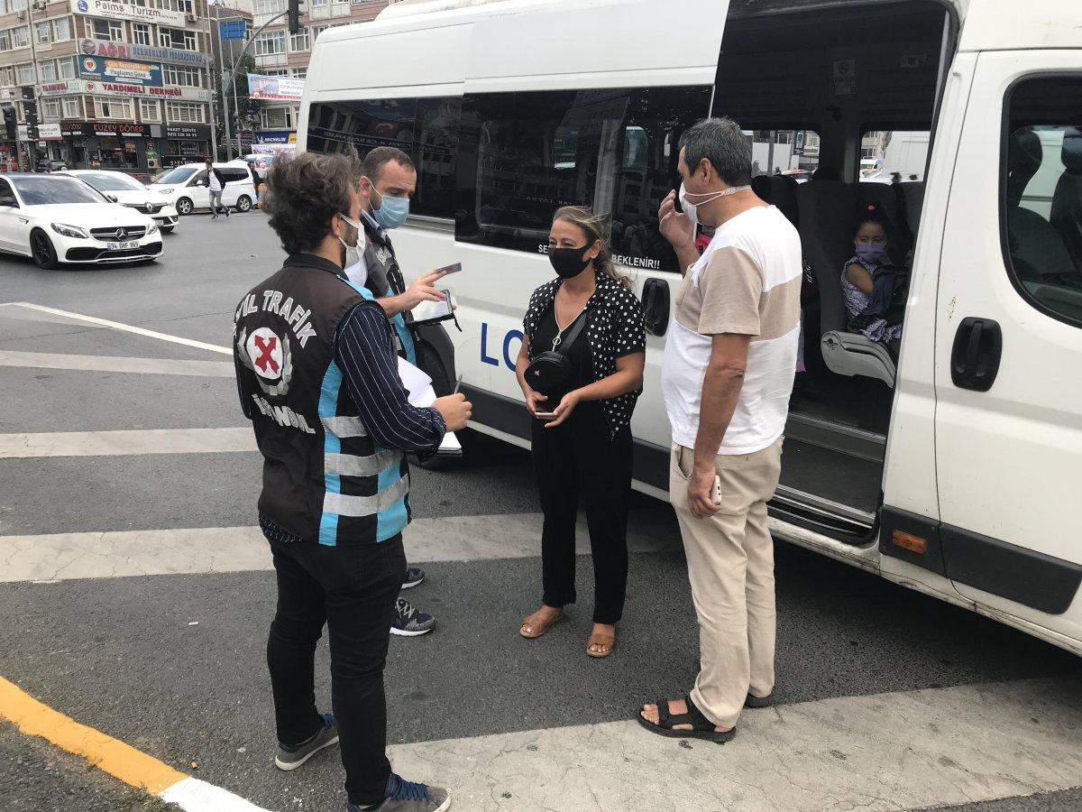İstanbul da trafik ekiplerinden okul servislerine denetim  #1
