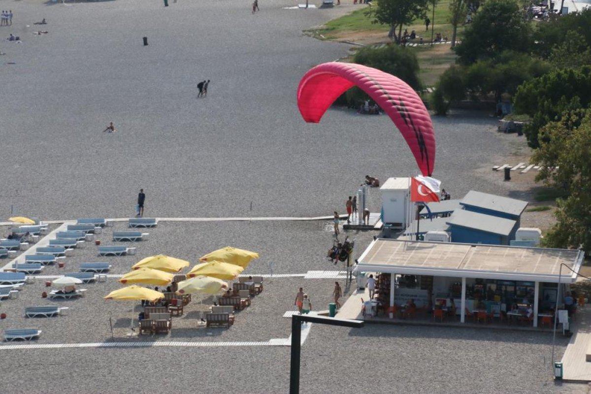 Antalya'da yasağa rağmen yamaç paraşütü yaptılar #5
