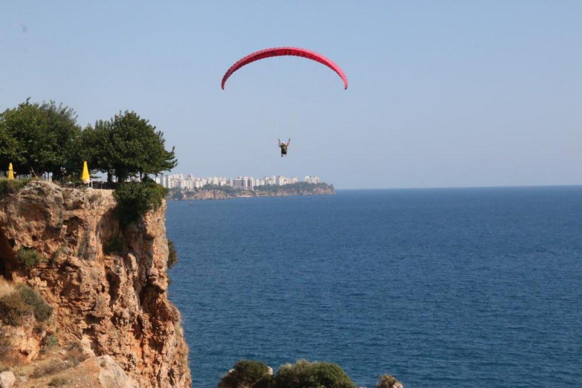 Antalya'da yasağa rağmen yamaç paraşütü yaptılar #7